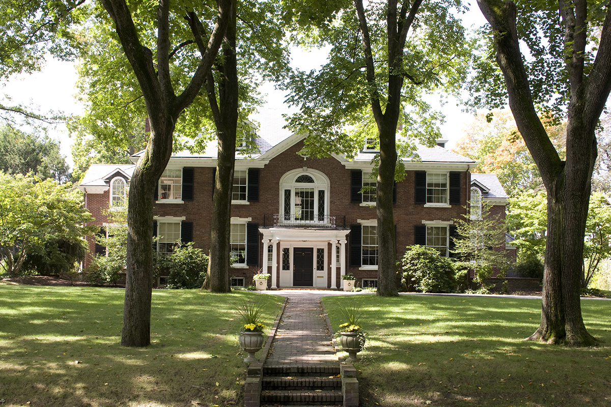 Icaa ne celebrates traditional design with bulfinch awards for Traditional home architecture