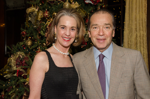 Decorators Club hosts annual holiday party, honors chairmen