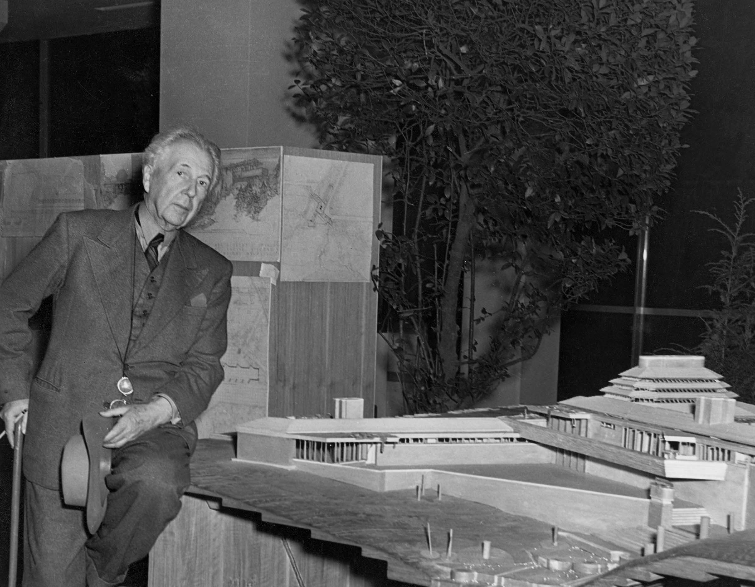 MoMA & Columbia acquire Frank Lloyd Wright archives