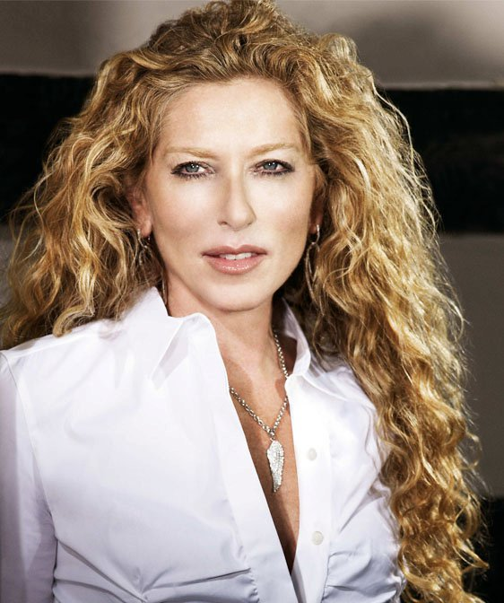 Kelly Hoppen and Halo select Four Hands for distribution