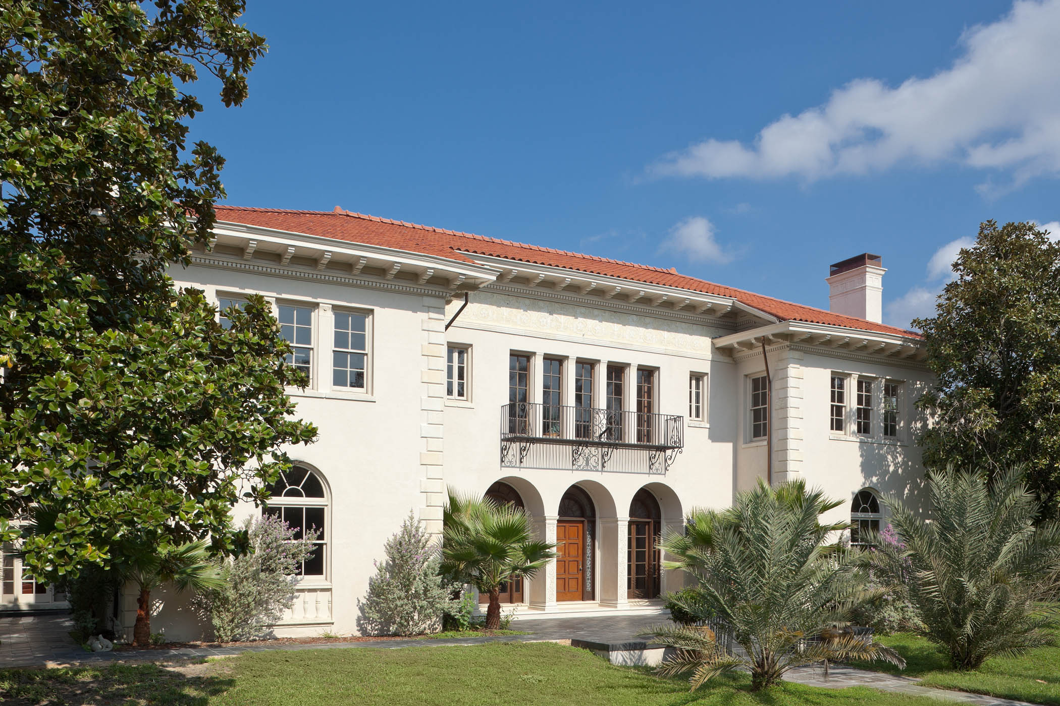 LUXE magazine debuts first Houston show house